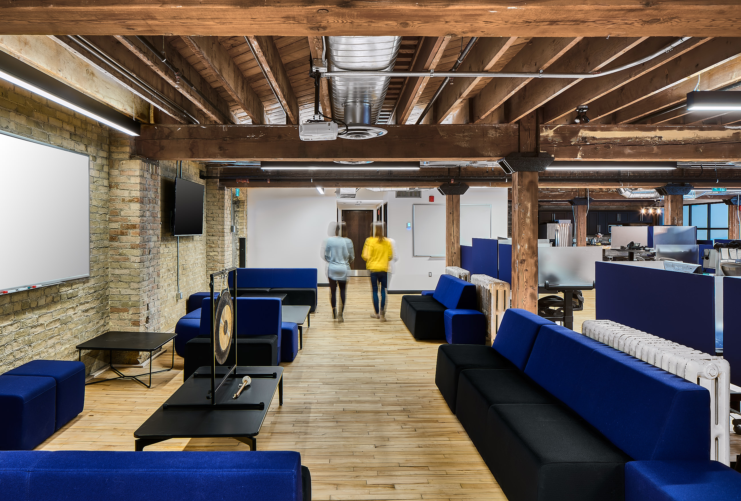 Info-Tech Interior by Scott Webb Photography - an Ontario Architectural Photographer